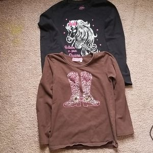 💜💜  2 GIRL SHIRTS SIZE 6 HORSE AND BOOTS